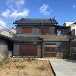 耳成駅徒歩8分、土地約105.47坪、6Kの間取りで大家族にも対応できます。